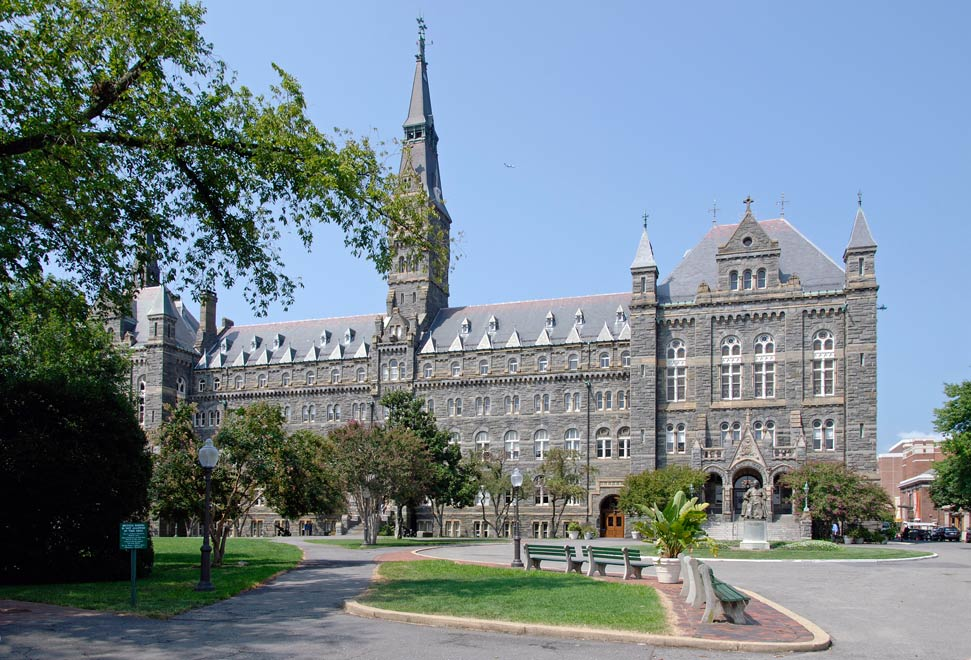 Edificio principal de la Universidad de Georgetown en Washington